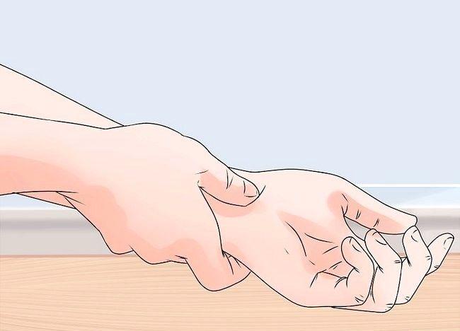 Imaginea intitulată Răspundeți la un atac de cord Pasul 3