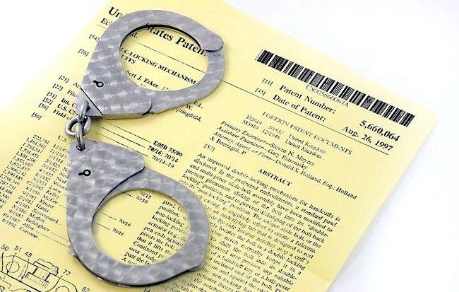 Imaginea intitulată Handcuff a Person Step 10Bullet1