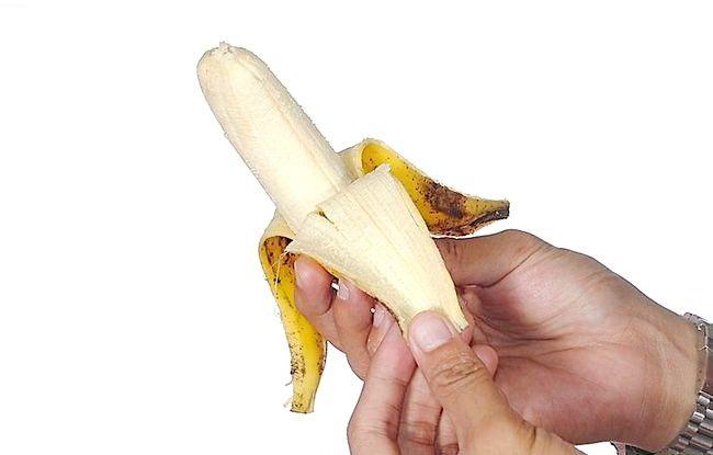Imaginea intitulată Ușor de peptic ulcerare folosind banane Pasul 1