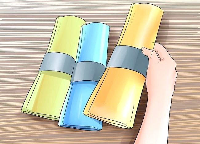 Cum să aplicați texturi de hârtie de mătase pe pereți