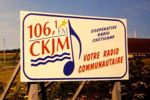 Cum să înveți o limbă prin ascultarea radioului