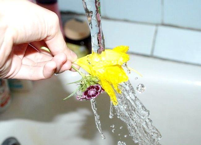 Imagine cu titlul Aranjați un buchet de flori Step 5Bullet3
