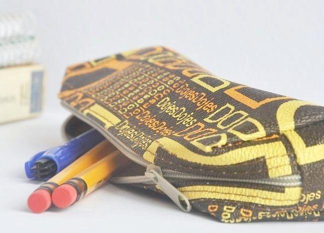 Imaginea intitulată Împachetează un sac de școală (Teen Girls) Pasul 3Bullet1