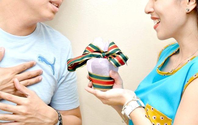 Imaginea intitulată Sărbătoriți Crăciunul în timp ce călătoriți Pasul 7