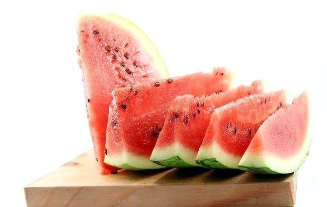 Imaginea intitulată Mănâncă un pepene verde Pasul 3