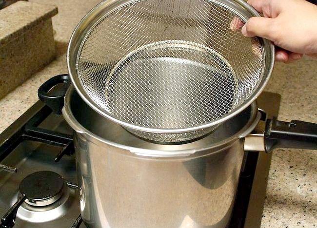 Imaginea intitulată Cartofi de gătit într-o mașină de gătit sub presiune Pasul 10