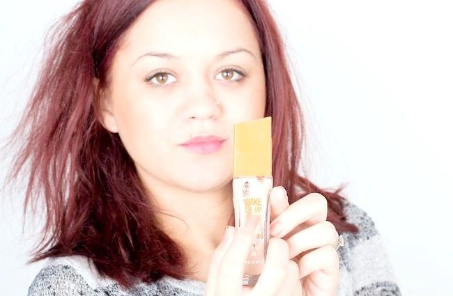 Imaginea intitulată Alegeți fundația potrivită pentru pielea tonificată cu miere Pasul 3