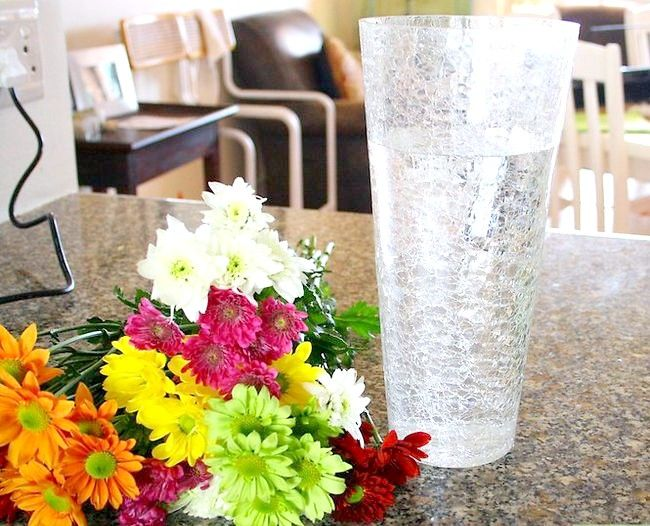 Poza intitulată Plasați flori pentru vază Pasul 4