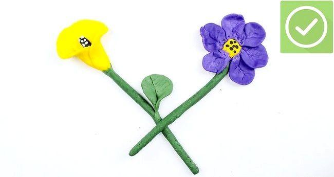 Imaginea intitulă Face flori cu argilă Pasul 6