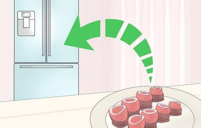 Imaginea intitulă Faceți ciocolată acoperită capsuni Jello Shots Step 13