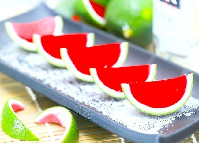 Imaginea intitulă Faceți pepene verde Jello Shots Pasul 13