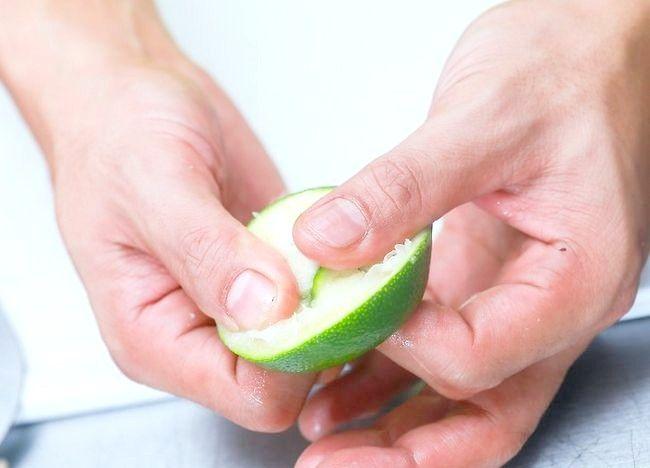 Imaginea intitulă Faceți pepene verde Jello Shots Pasul 3