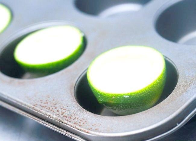 Imaginea intitulă Faceți pepene verde Jello Shots Pasul 6