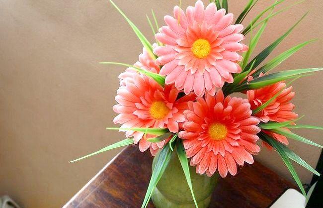 Imagine intitulată Arrange Flowers Silk Intro