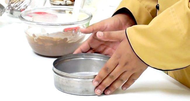 Imaginea intitulată Creați un tort utilizând o mașină de gătit sub presiune Pasul 15