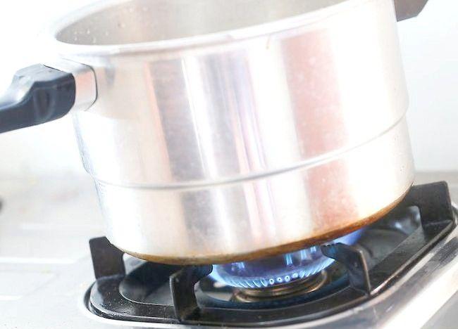 Imaginea intitulată Creați un tort folosind un aragaz sub presiune Pasul 3