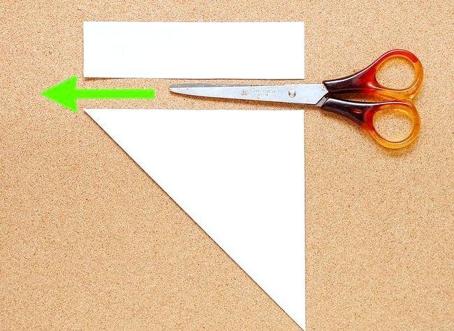 Imaginea intitulată Faceți o hârtie de zăpadă Kirigami Step 2