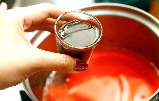 Imagine intitulată Faceți fotografii de vin roșu cu jello Pasul 2