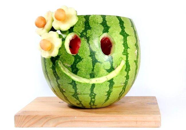 Imagine intitulată Carve Smile on a Watermelon Pasul 6