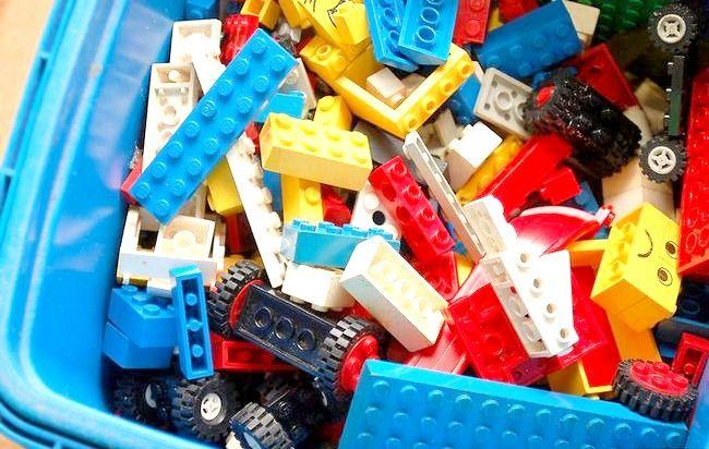 Imagine intitulată Sortați și păstrați LEGO Jucării Pasul 1