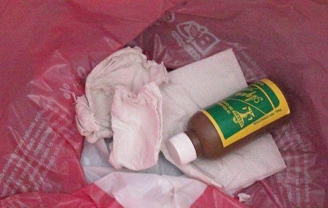 Imaginea intitulată Curățați pieptul medicinii dvs. Pasul 6