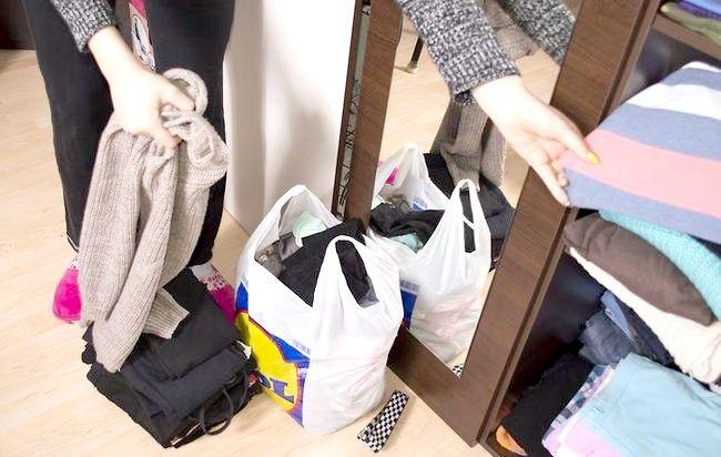 Imaginea intitulată Curățați dulapul dvs. Pasul 7