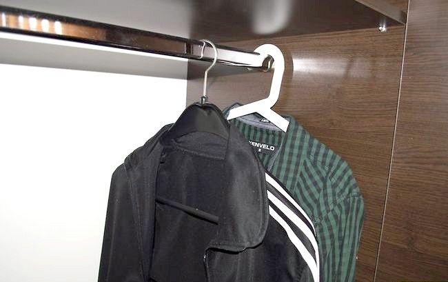 Imaginea intitulată Curățați-vă dulapul Pasul 4Bullet2