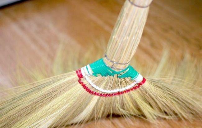 Imaginea intitulată Curățați camera rapidă și eficientă Pasul 11