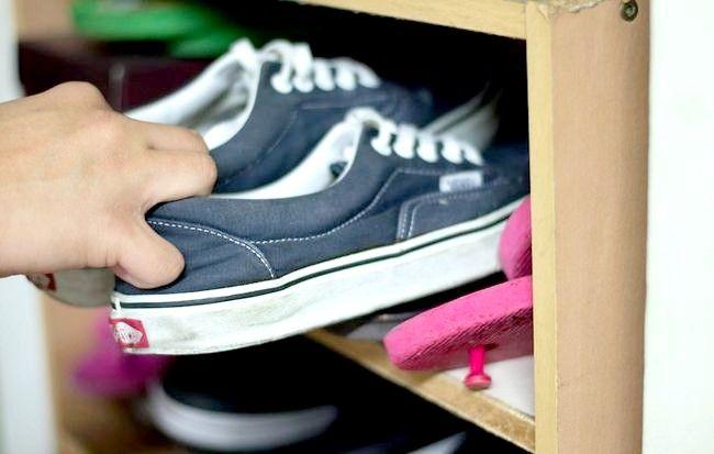 Imaginea intitulată Curățați-vă camera rapid și eficient Pasul 6