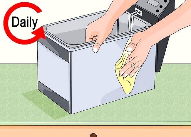 Imaginea intitulată Curățarea unei friteuze profunde Pasul 15