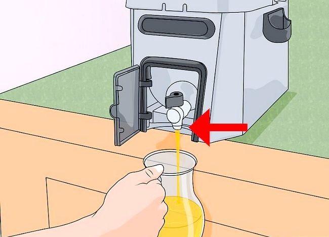 Imaginea intitulată Curățarea unei friteuze profunde Pasul 3