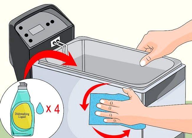Imaginea intitulată Curățarea unei friteuze profunde Pasul 7