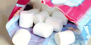 Cum să păstrați marshmallows dintr-un carton deschis