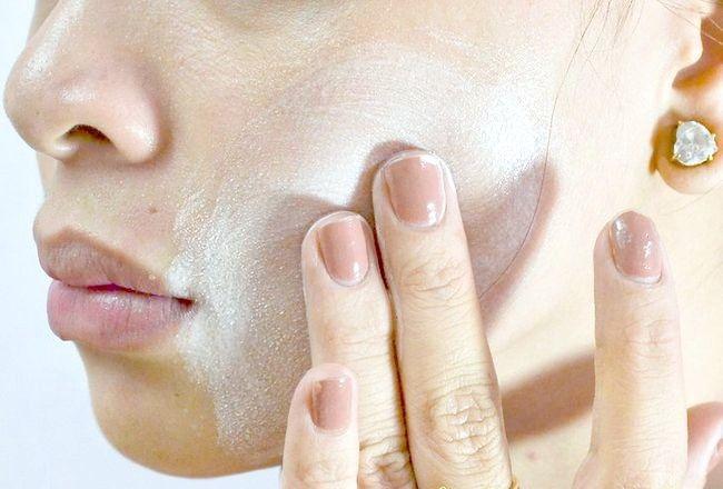 Imaginea intitulată Îndepărtați pielea iritată de spălarea feței Pasul 6