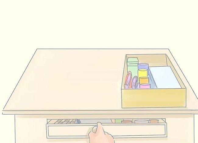 Imagine intitulată Curățați dormitorul dvs. aglomerat și redecorați-l. Pasul 18