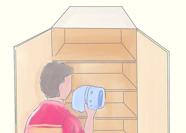 Imaginea intitulată Curățați dormitorul dvs. aglomerat și redecorați-l Pasul 9