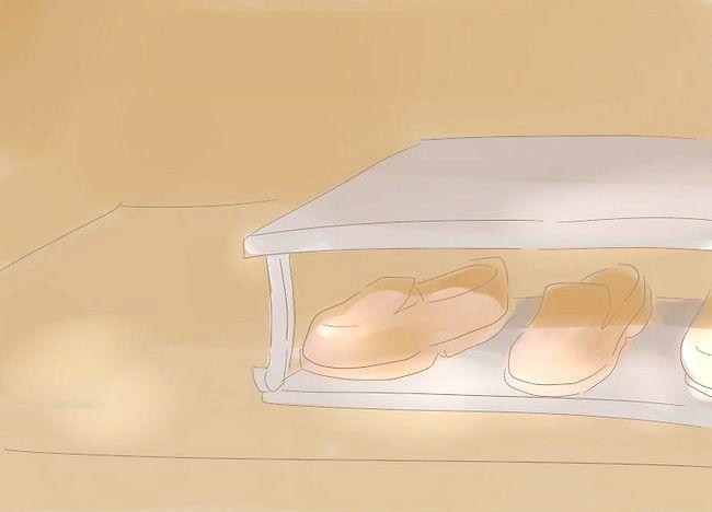 Imaginea intitulată Organizați un mic dormitor Pasul 8
