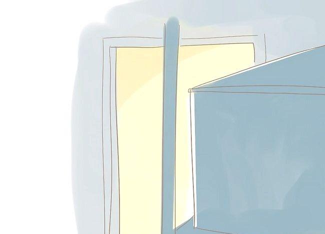 Imaginea intitulată Organizați un mic dulap Pasul 3Bullet1
