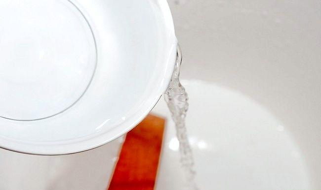 Imaginea intitulată Vopsea subțire de latex Pasul 3
