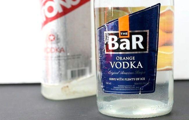 Imaginea intitulată Curățați cu Vodka Pasul 1