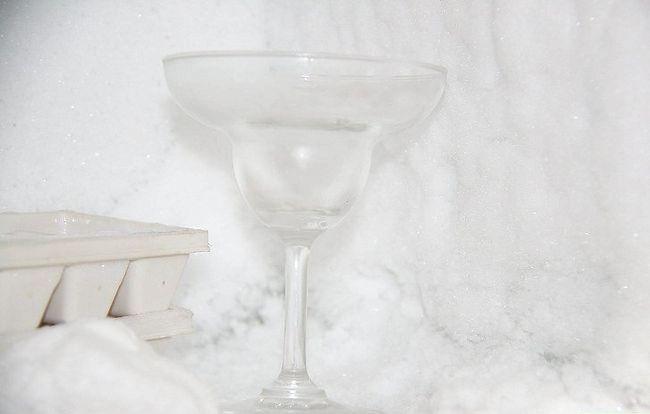 Imaginea intitulată Utilizați agitatorul Martini Pasul 1