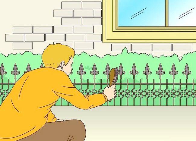 Imagine cu titlul Pregătiți un gard din fier forjat pentru pictura Pasul 1