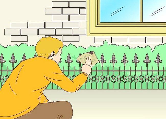 Imagine cu titlul Pregătiți un gard din fier forjat pentru pictura Pasul 2