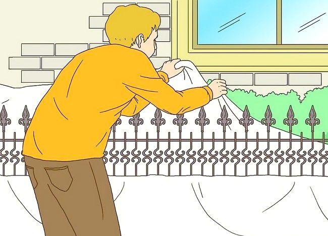 Imagine cu titlul Pregătiți un gard din fier forjat pentru pictura Pasul 4