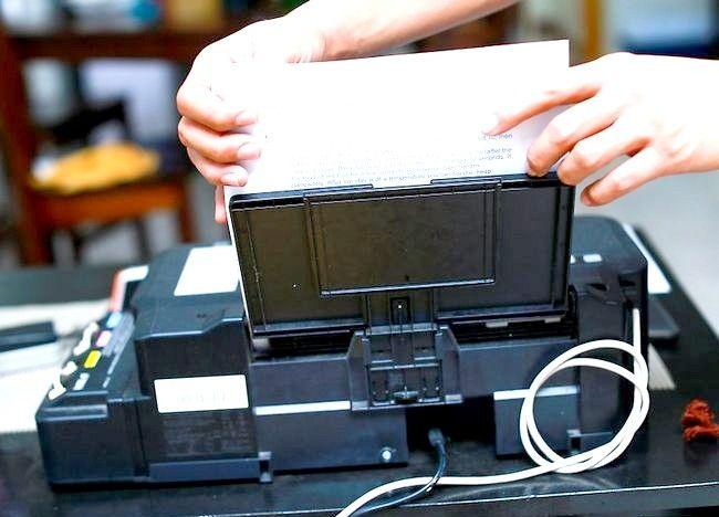 Imaginea intitulată Recycle Paper Step 4