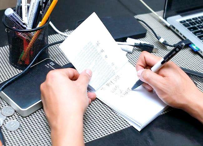 Imaginea intitulată Recycle Paper Step 5