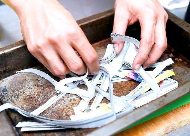 Imagine intitulată Recycle Paper Step 6