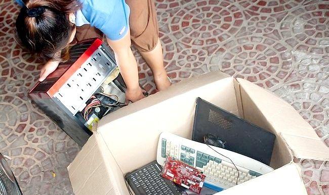 Imaginea intitulată Reciclarea unui computer Pasul 3