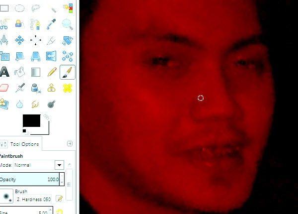 Imaginea intitulată Eyes red pe fotografii utilizând GIMP Pasul 8