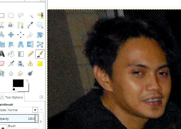 Imaginea intitulată Reduce ochii roșii pe fotografii utilizând GIMP Pasul 10